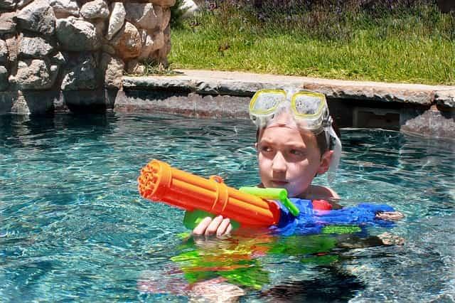 夏にウォーターサバゲーはどう?ちょっとリアルな水鉄砲8選