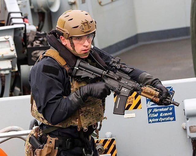 サバゲーでのPMC装備。服装、銃は?