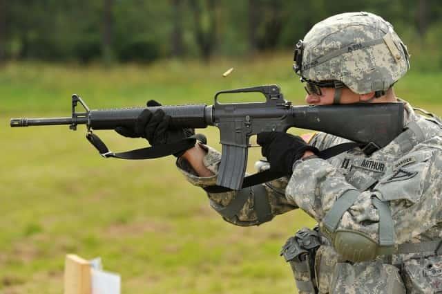 AR15、M16、M4の違い